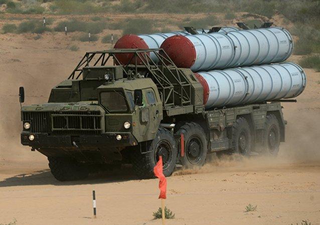 Sistema de misiles antiaéreos S-300PS (imagen referencial)