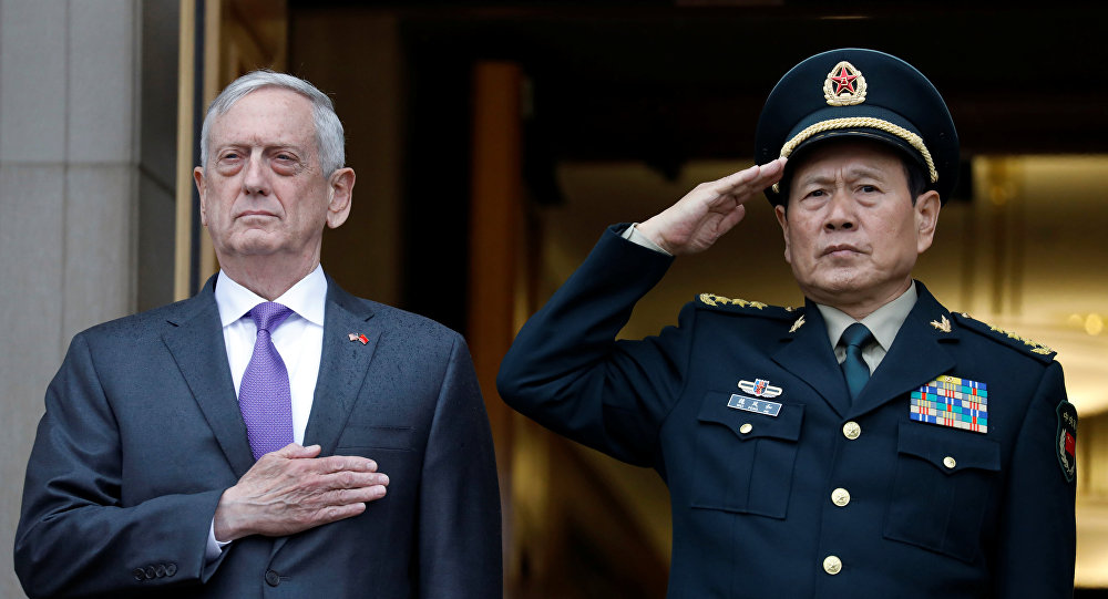 El secretario de Defensa de EEUU, James Mattis, y ministro de Defensa de China, Wei Fenghe