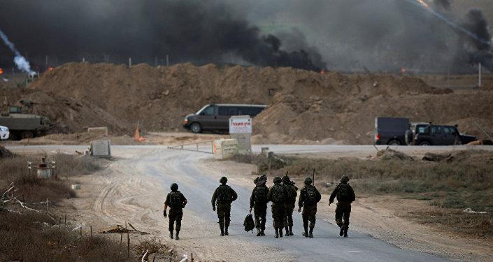 Militares israelíes en Gaza