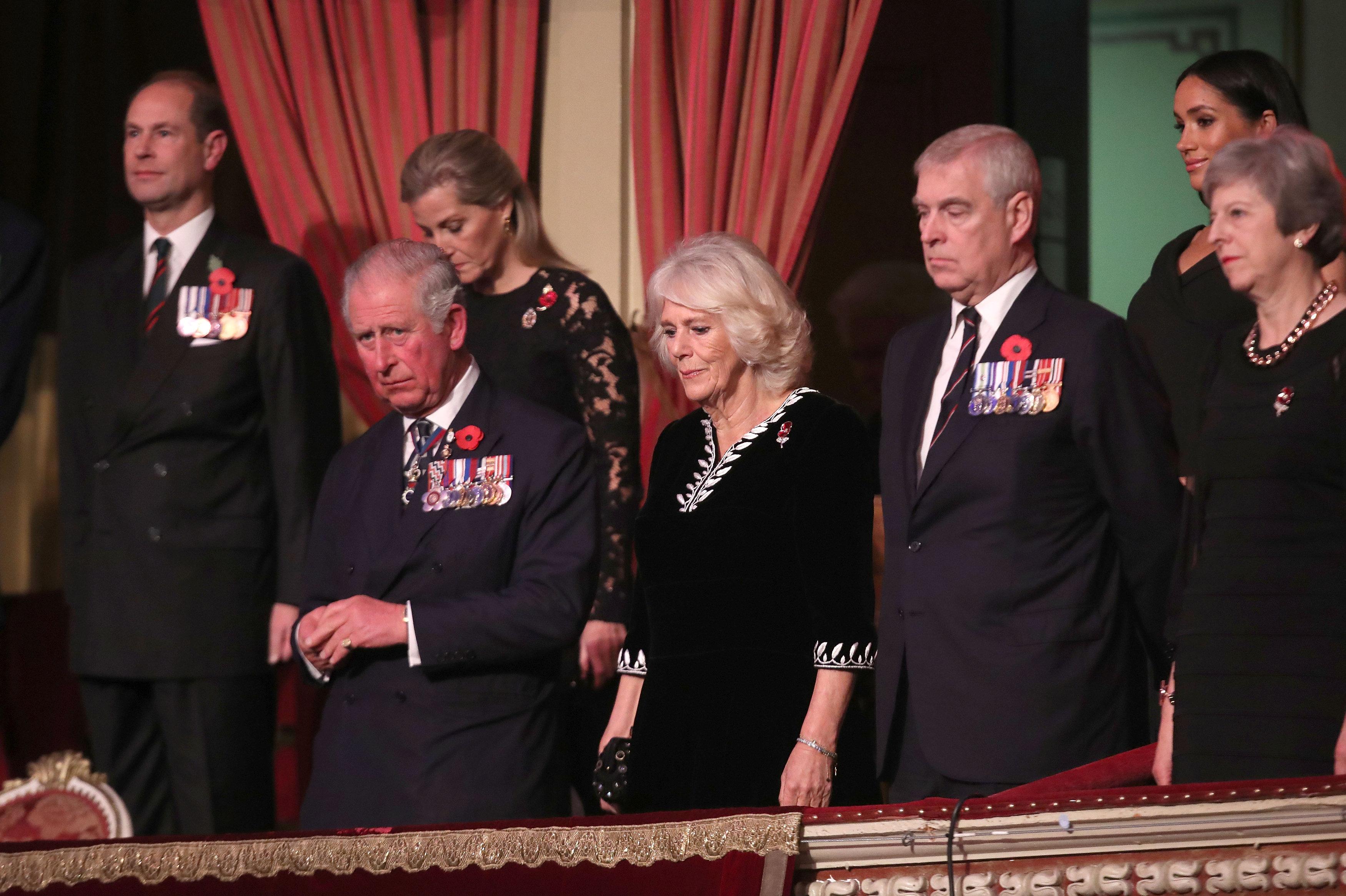 Príncipe Carlos con su esposa Camilla en el Festival de la Memoria de la Legión Británica Real