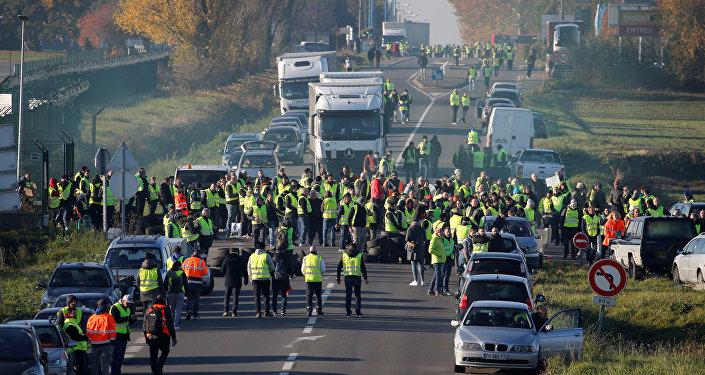 Protestas contra los precios del combustible en París