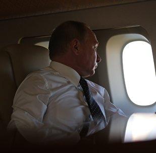 Vladímir Putin, presidente de Rusia, a bordo de un avión