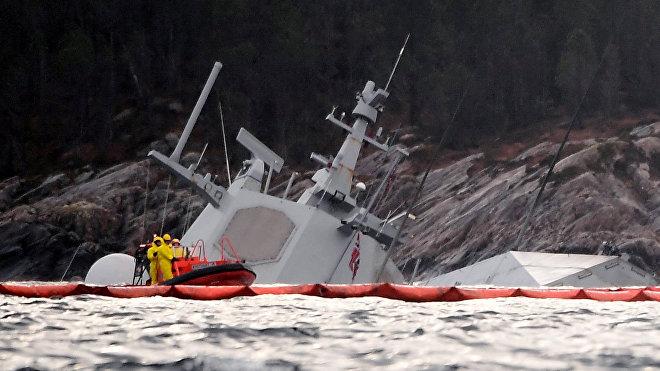 La fragata noruega Helge Ingstad hundida en un accidente durante las maniobras de la OTAN Trident Juncture 2018, Noruega, 13 de noviembre de 2018