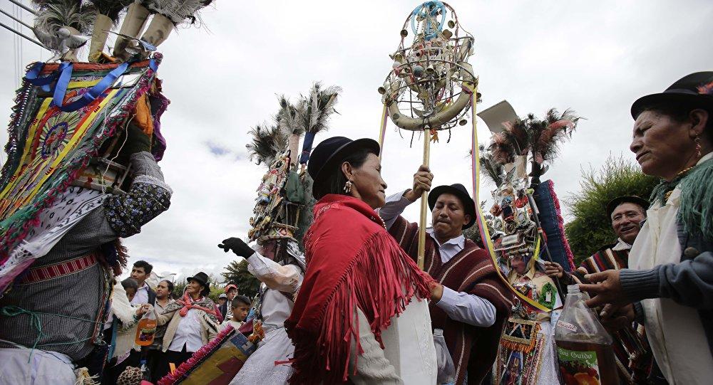 Indígenas de Ecuador (archivo)