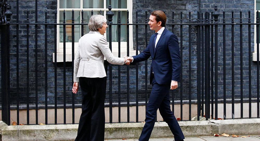 Theresa May, primera ministra del Reino Unido, y Sebastian Kurz, canciller de Austria