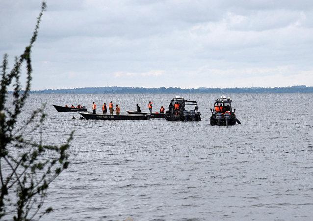 La operación de rescate en el lago Victoria, Uganda