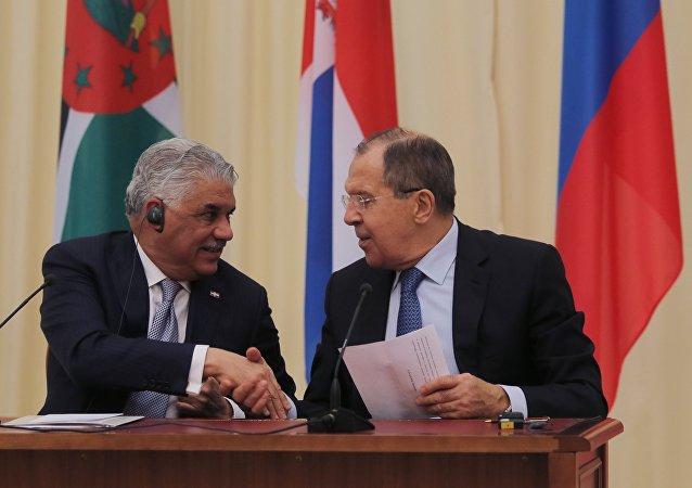 Canciller de República Dominicana, Miguel Vargas, y su homólogo ruso, Serguéi Lavrov (archivo)