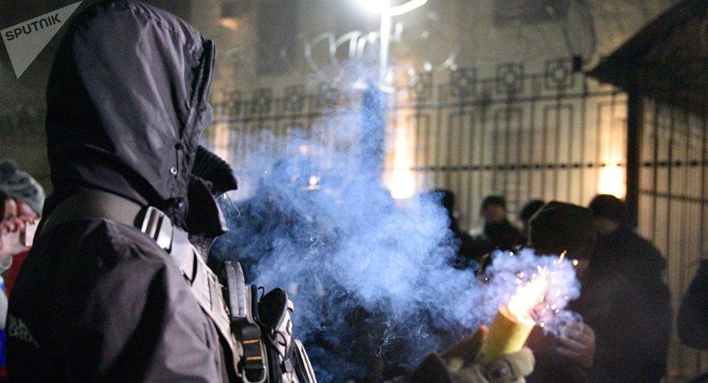 Acciones agresivas frente la Embajada rusa en Kiev tras el incidente naval entre Rusia y Ucrania cerca del estrecho de Kerch