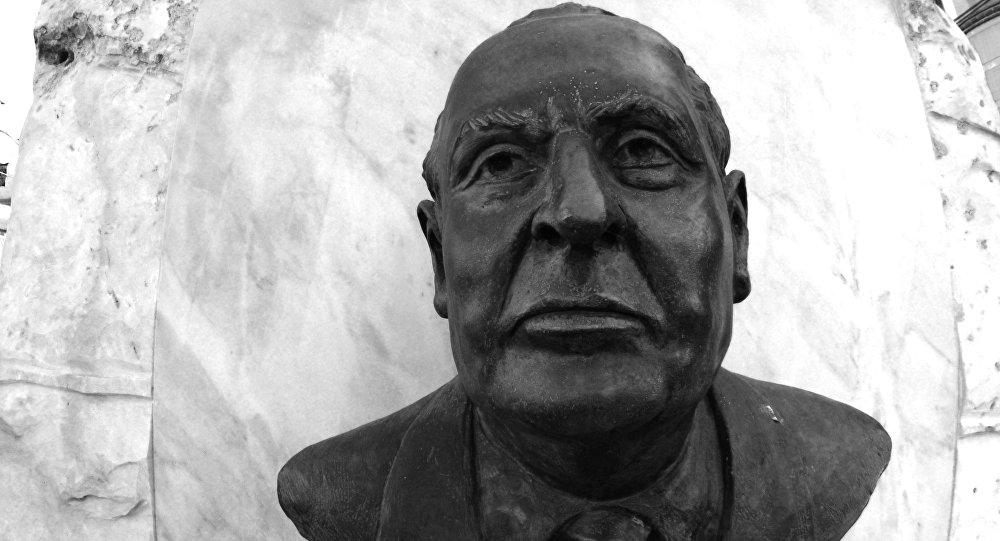 El busto de Gilberto Bosques, un diplomático mexicano