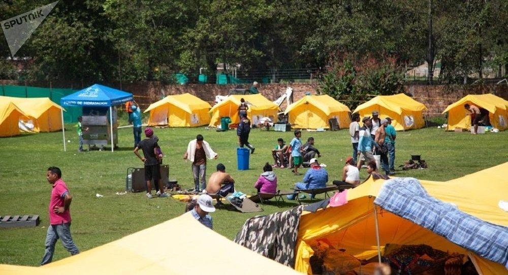 Cerca de 300 inmigrantes venezolanos permanecen desde hace dos semanas en un albergue humanitario en el occidente de Bogotá luego de que fueron trasladados desde las calles a ese lugar