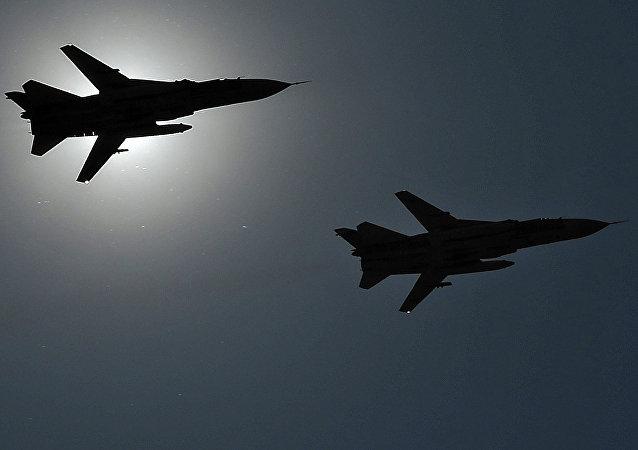 Cazas rusos Su-24 (archivo)
