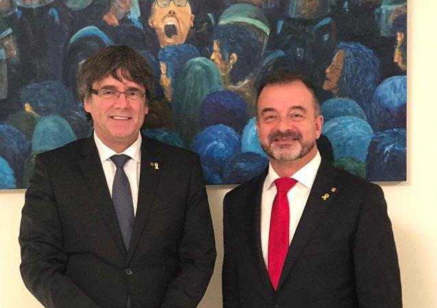 Expresidente catalán, Carles Puigdemont, y consejero de Acción Exterior de la Generalitat, Alfred Bosch
