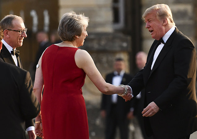 Theresa May junto a Donald TRump en su primera visita oficial a Londres