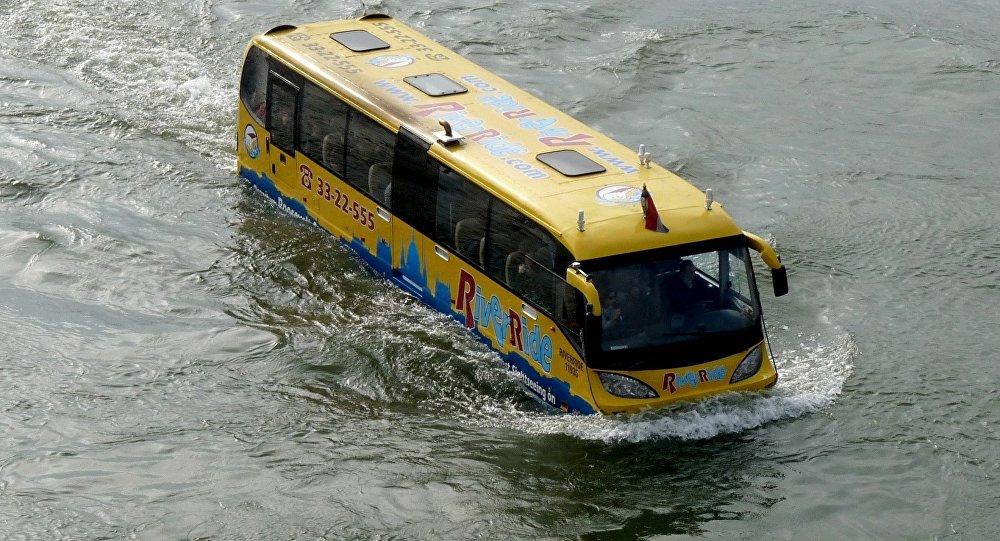 Un autobús anfibio (imagen referencial)