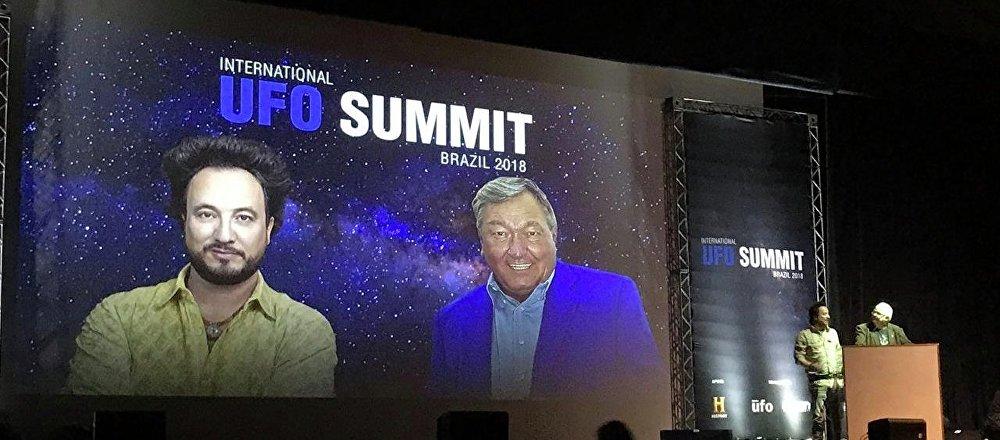 Erich von Däniken y Giorgio Tsoukalos en UFO Summit 2018, Sao Paulo