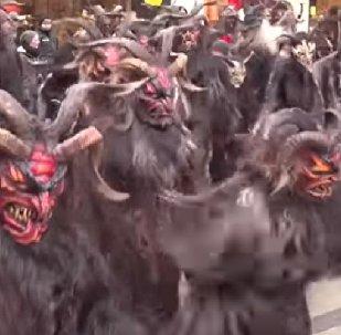 'Monstruos diabólicos' invaden una ciudad alemana para castigar a los que se portan mal