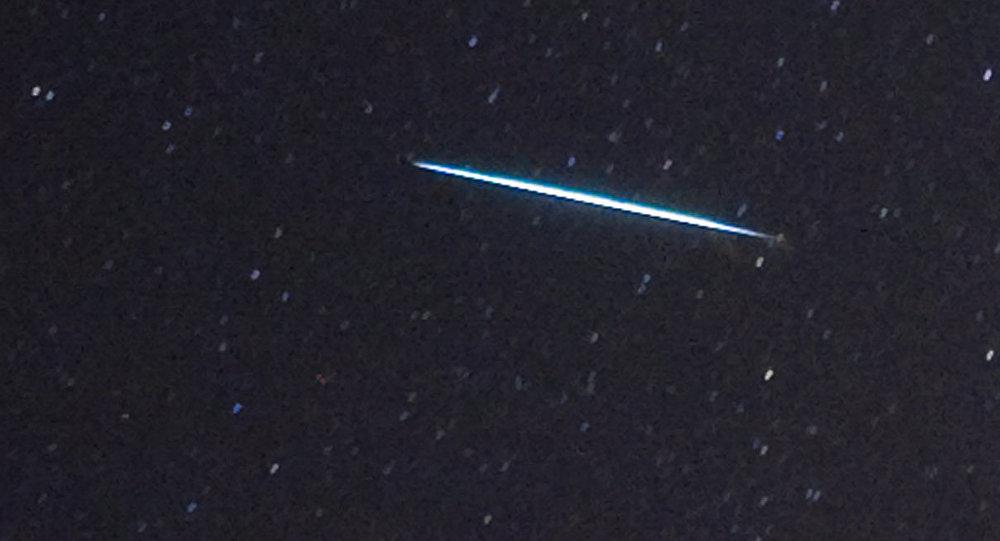 Un meteorito cayendo