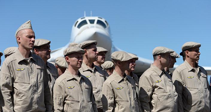Tripulaciones de bombarderos estratégicos rusos Tu-160 en Venezuela