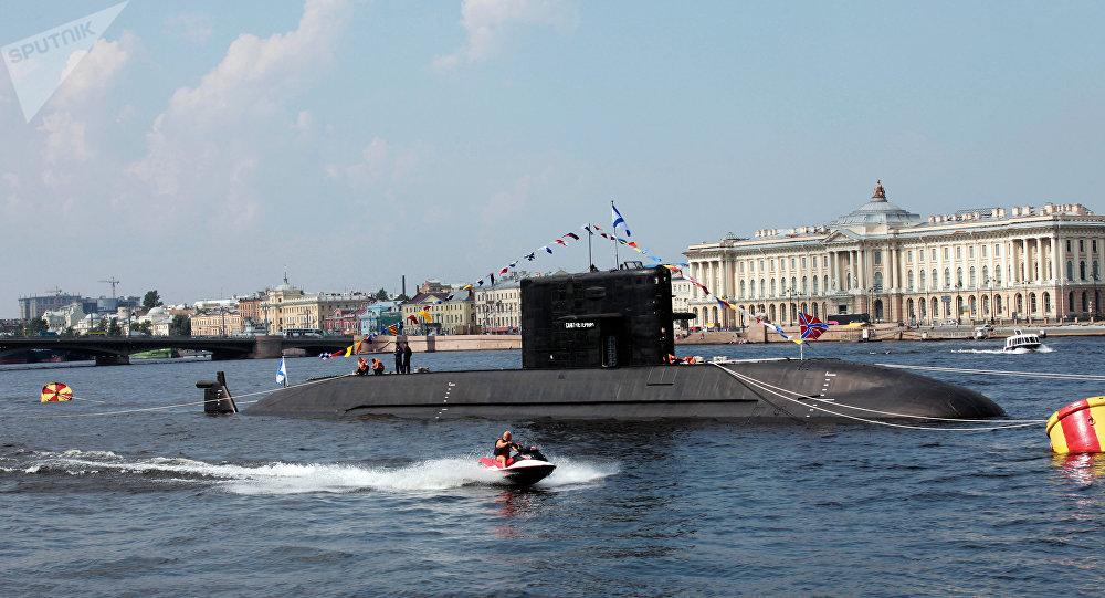 Sankt Peterburg, el buque líder de los submarinos la clase Lada