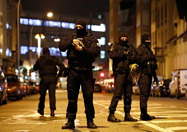 Policía especial francesa en el lugar del tiroteo en Estrasburgo