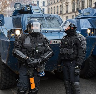La Policía francesa durante las protestas de los 'chalecos amarillos' en París (archivo)