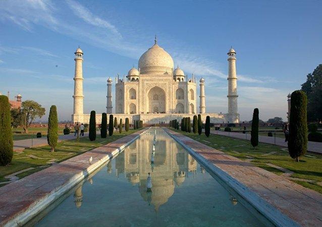 El Taj Mahaj en Agra (la India)