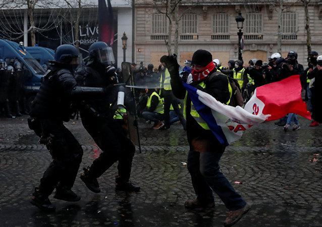Protestas de 'chalecos amarillos' en París, Francia