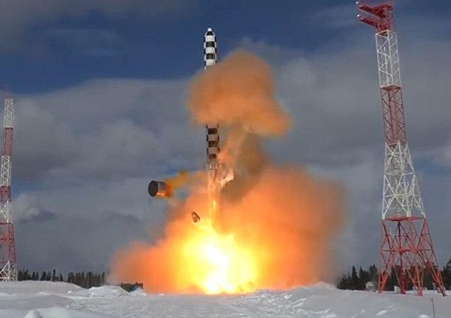 Las tropas de misiles estratégicos de Rusia celebran su 59 aniversario