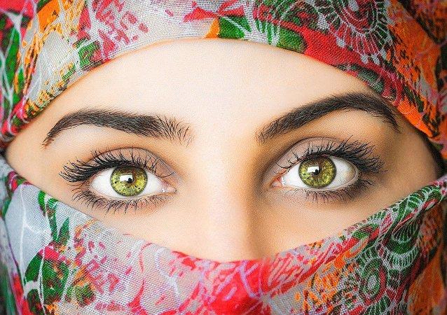 Una mujer árabe
