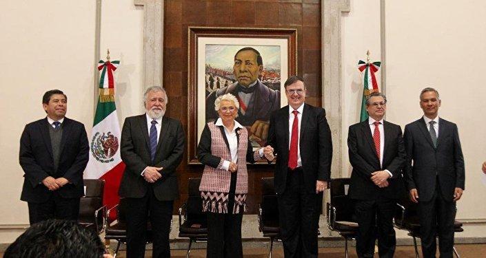 El secretario de Relaciones Exteriores, Marcelo Ebrard celebra la aprobación del Pacto Mundial para la Migración