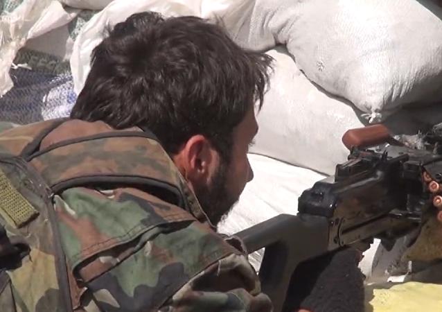Los soldados sirios repelen un ataque de los terroristas