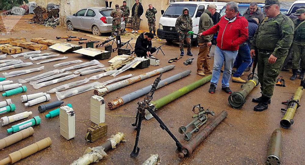 Una operación conjunta de militares rusos y las fuerzas de seguridad de Siria ha logrado encontrar un gran depósito de armas y municiones abandonado por terroristas en campos agrícolas de la provincia de Deraa, al sur de Siria