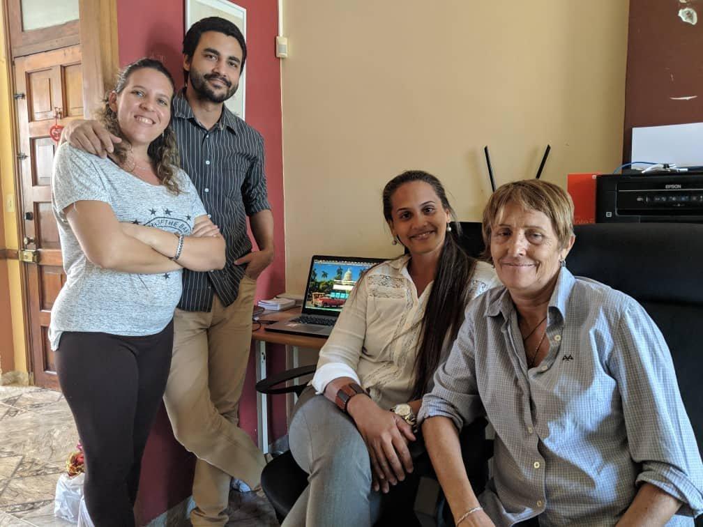Equipo de QvaShop, el Amazon de los cubanos