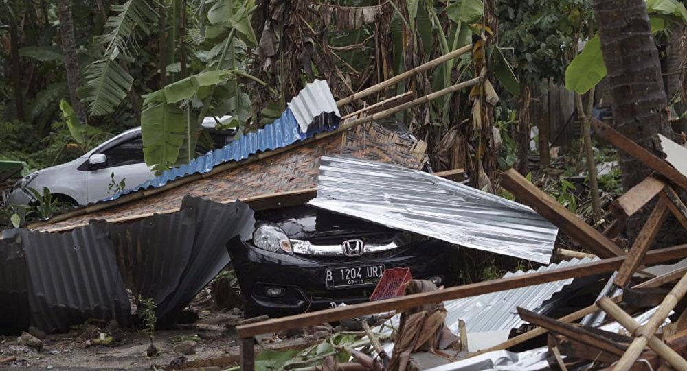 Asciende a 168 la cifra de muertos por un tsunami en Indonesia
