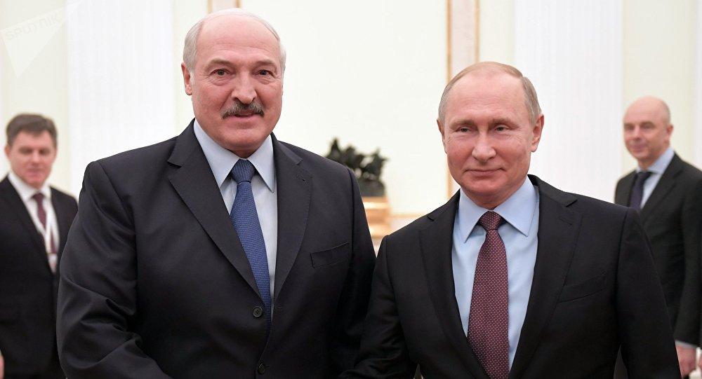 El presidente de Bielorrusia, Alexandr Lukashenko, y el presidente de Rusia, Vladímir Putin