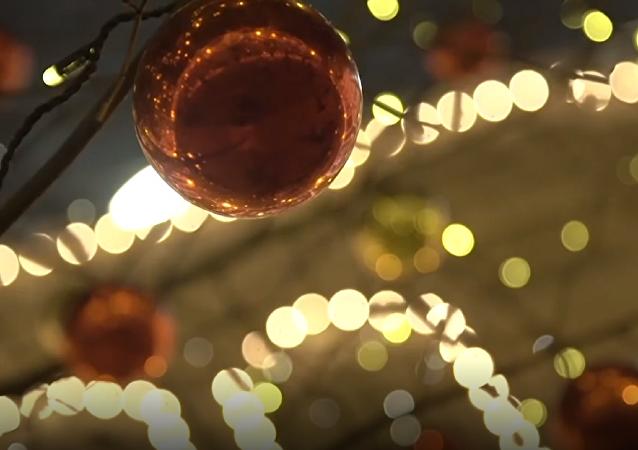 Al son de la Navidad: militares rusos hacen vibrar a la Plaza Roja con una mítica canción