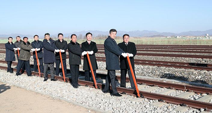¿El comienzo de una hermosa amistad? Las dos Coreas unen sus ferrocarriles