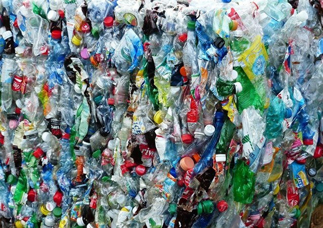 Botellas de plástico (imagen referencial)