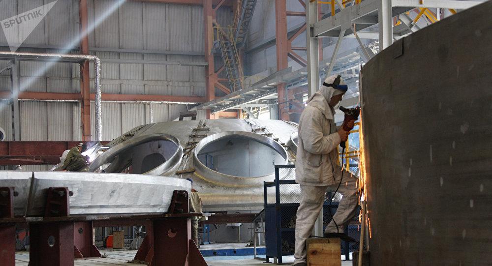 Fabricación de un reactor nuclear en Rusia (archivo)