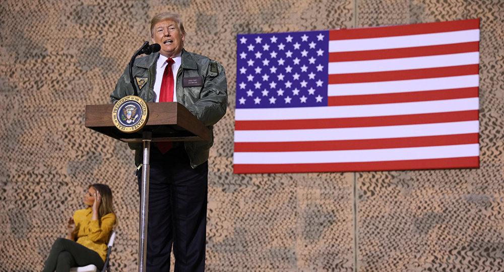 El presidente de EEUU, Donald Trump, visita una base militar en Irak