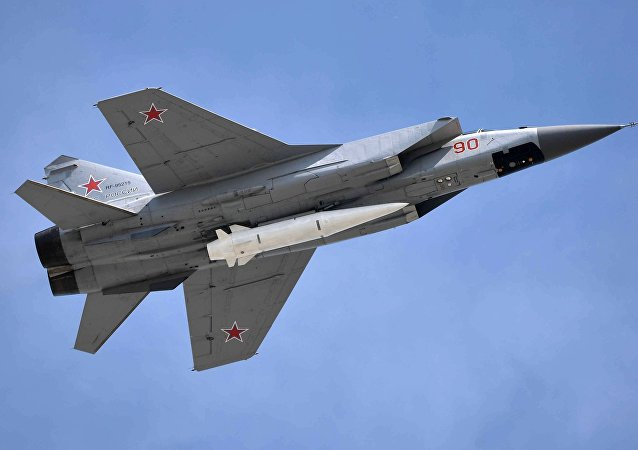 Un caza MiG-31K con el misil hipersónico Kinzhal, foto archivo