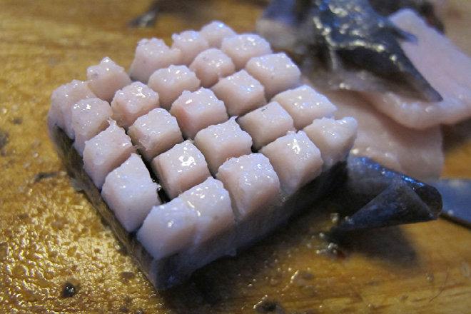 Mattak, o grasa de ballena, plato tradicional de Groenlandia