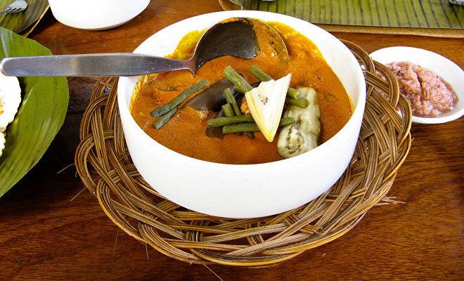Kare-kare, callos con una salsa de cacahuete, plato típico en Filipinas