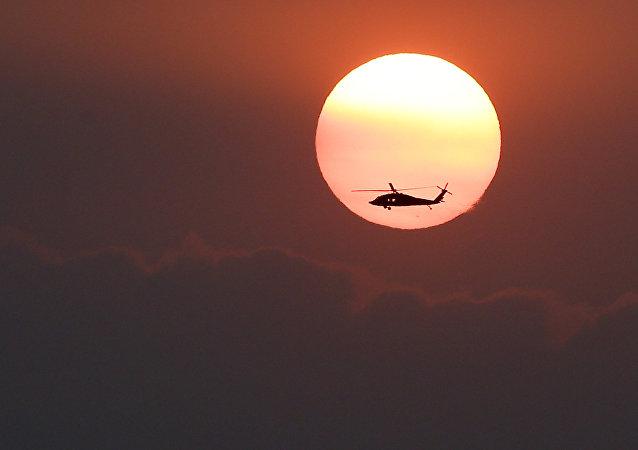 Un helicóptero (imagen referencial)