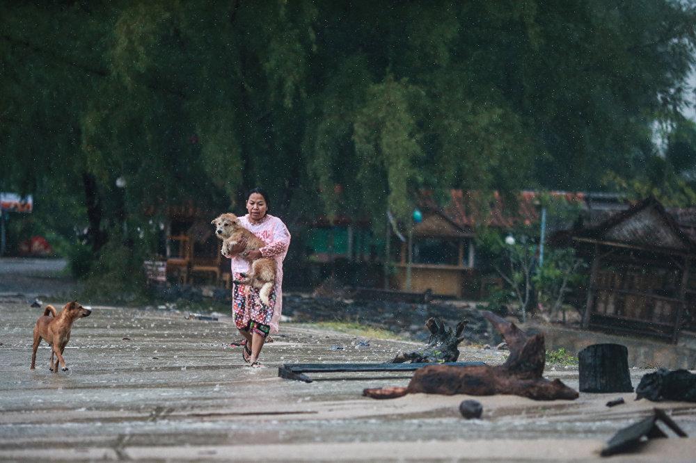 La llegada de la tormenta Pabuk a Tailandia