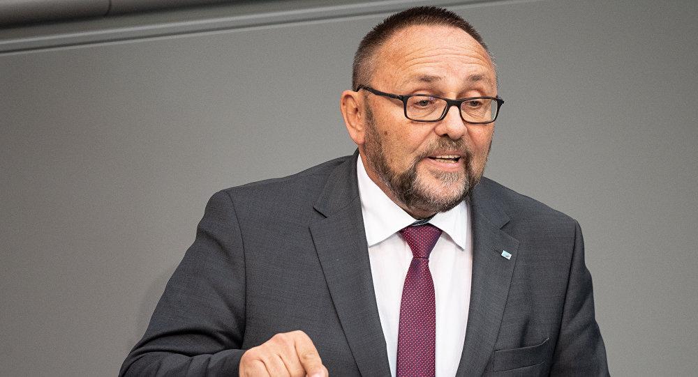 El diputado Frank Magnitz del partido opositor Alternativa para Alemania (AfD)