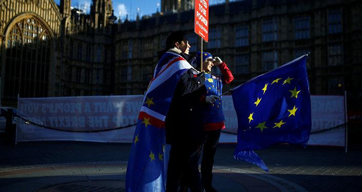 Protestas anti-Brexit cerca del Parlamenrto británico (archivo)