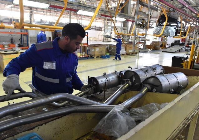 Siria restablece la fabricación de automóviles interrumpida por la guerra
