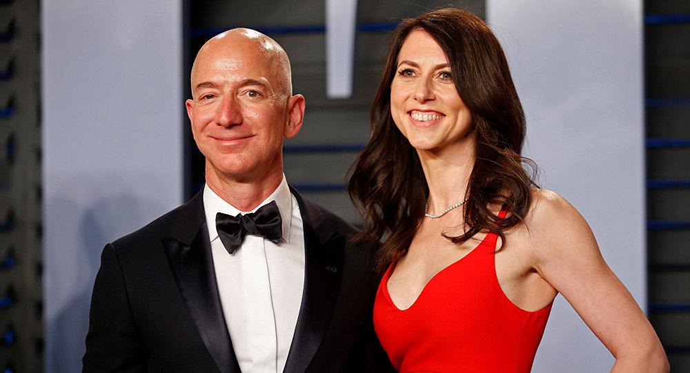 Jeff Bezos y su esposa MacKenzie