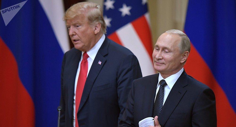 El encuentro de Vladímir Putin, presidente de Rusia, y Donald Trump, presidente de EEUU, en Helsinki (archivo)